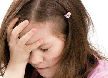 Tratamento homeopático pode ser uma boa alternativa para tratar enxaqueca em crianças
