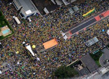 Cerca de 1 milhão protestam em São Paulo contra o governo, diz PM