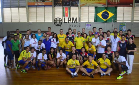 Brasil foi o grande vencedor do torneio de volleybol entre as missões diplomáticas no Suriname ( Veja as Fotos )