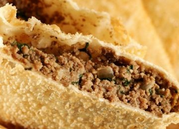 Pastelaria de chinês no RJ usava carne de cachorro para rechear pastéis