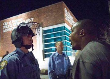 Líderes negros exigem que polícia leve câmeras no uniforme