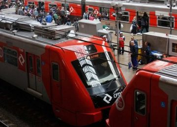 Deficiente visual morre ao cair nos trilhos do Metrô em São Paulo