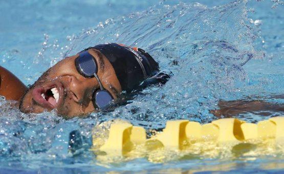Nadador surinamês competiu com os melhores do mundo no Grand Prix de Charlote, USA