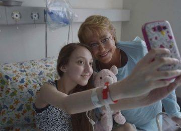 Morre jovem chilena que pediu ajuda a Michele Bachelet para morrer