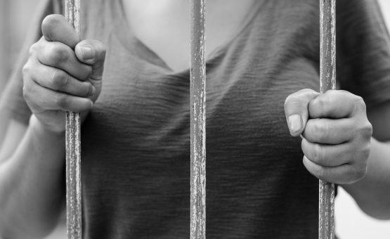 Mulher foi apanhada em flagrante tentando sequestrar uma criança em Paramaribo