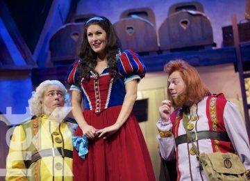 """Musical holandês """"Branca de Neve"""" estará no palco do Teatro Thalia em Paramaribo de 25 a 28 junho"""