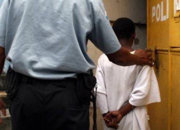 Pais de jovens mortos por adolescentes debatem a maioridade penal