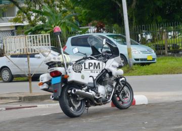 Polícia diz que motoristas continuam desrespeitando limite de velocidade no Suriname