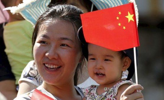 Legislativo chinês aprova fim da política do 'filho único'