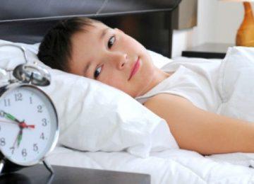 Criança sem horário certo para dormir tem mais problemas de comportamento