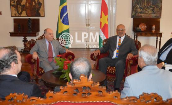 Ministro Mauro Vieira foi recebido pelo presidente Desi Bouterse em Paramaribo ( Veja as fotos )