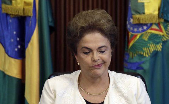 Dilma vai à TV em último apelo para barrar impeachment