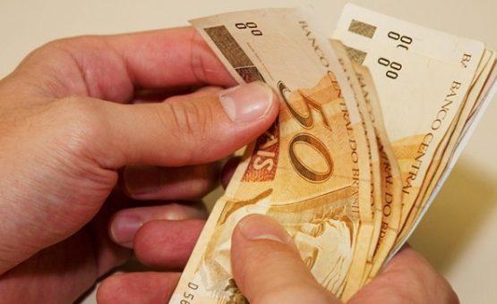 Governo propõe na LDO salário mínimo de R$ 946 em 2017