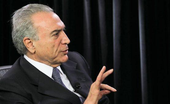 """Temer diz que irá aguardar em """"silêncio"""" até Senado votar o pedido de impeachment de Dilma"""