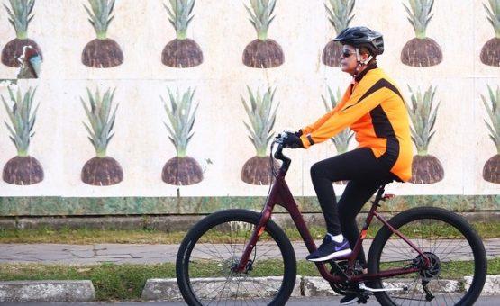 Dilma faz passeio de bicicleta no Dia das Mães em Porto Alegre