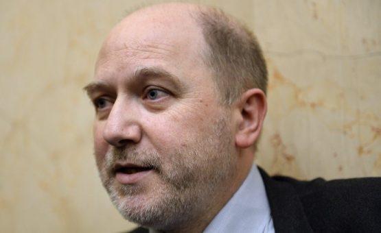 Vice-presidente da Assembleia Nacional da França renuncia após denúncias de assédio sexual