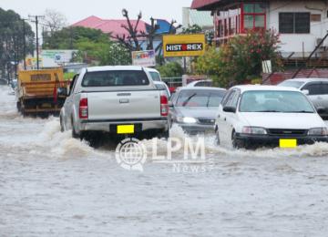 Chuvas fortes são motivo de preocupação para moradores de Paramaribo