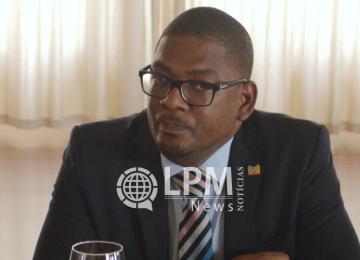 Ministro da saúde se pronuncia sobre greve dos médicos do RGD no Suriname
