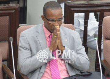 Parlamentar Edward Belfort anuncia sua candidatura à presidência da República do Suriname