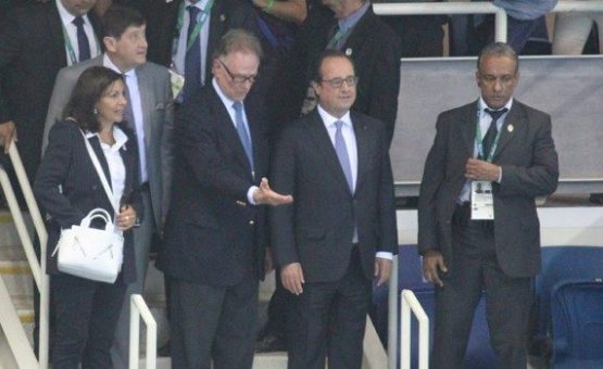 """Hollande visita Parque Olímpico e diz confiar na segurança: """"Indispensável"""""""