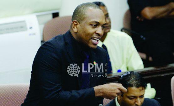 Desavença entre partidos do governo e oposição dificultam votação de projetos na Assembléia Nacional do Suriname