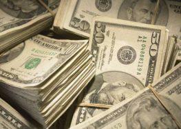 Dólar tem uma das maiores quedas do real – e baixa deve continua
