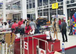 """""""Building Depot Suriname"""" comemora primeiro aniversário em Paramaribo (Fotos)"""
