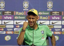 """Barcelona descarta lesão de Neymar, mas diz que jogador tem """"sobrecarga"""""""