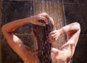 Banho frio realmente é bom para a pele, cabelo e metabolismo?