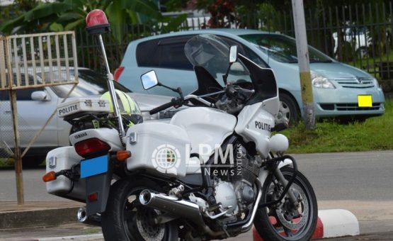Polícia de trânsito realiza operação e apreende 46 carteiras de habilitação no Suriname