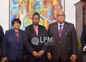Presidente Desi Bouterse deu posse a cinco novos ministros em Paramaribo