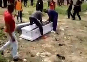 Morto é levado do caixão por não pagar dívida