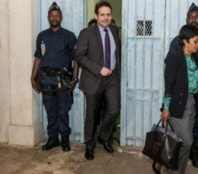 Ministros chegam e começam as negociações para o fim do conflito na Guiana Francesa