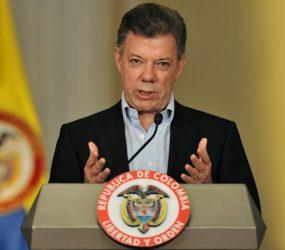 Presidente da Colômbia confirma 112 mortes por cheia de rios