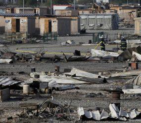 Incêndio destrói parte de campo de migrantes no norte da França