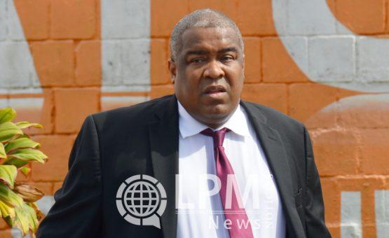 Ministro das Finanças do Suriname diz que governo não terá problema para pagar novos salários