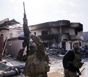 Atentado suicida deixa ao menos 20 mortos em mercado no Iraque