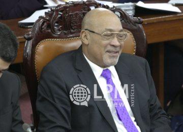 Reunião na Assembléia Nacional com o presidente Desi Bouterse foi adiada