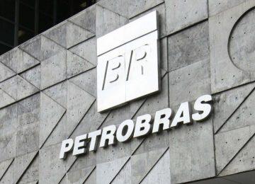 Petrobras e Transpetro são processadas por crime ambiental