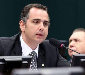 Pacheco pede prazo maior para analisar denúncia contra Temer