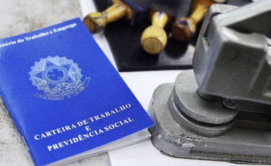 Mais de 14,3 mil venezuelanos tiraram carteira de trabalho no Brasil