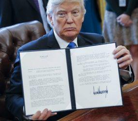 EUA anunciam começo de construção de barreiras ao longo da fronteira com México