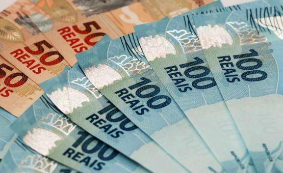 Temer sanciona LDO e confirma salário mínimo de R$ 979 em 2018