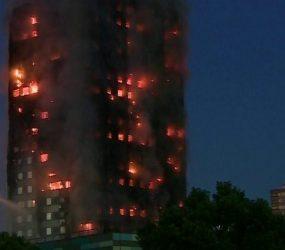 Bombeiros controlam fogo em torre residencial de Dubai