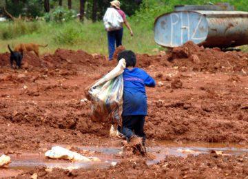 Tragédia na África: Mais de 1.000 pessoas morrem vítimas de deslizamento de terra