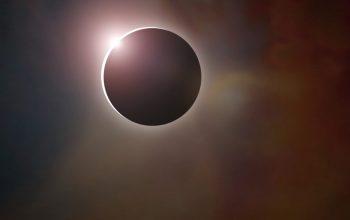 Eclipse irá cobrir o sol completamente nos EUA nesta segunda