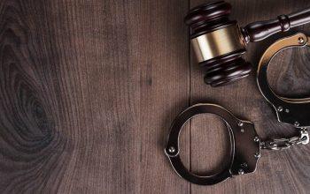 Professora casada vai para cadeia após levar quatro alunos para cama