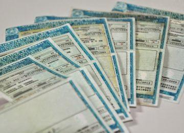 CNH gratuita existe em alguns estados, com restrições
