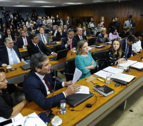 Comissão do Senado aprova regras que permitem demissão de servidor por 'insuficiência de desempenho'