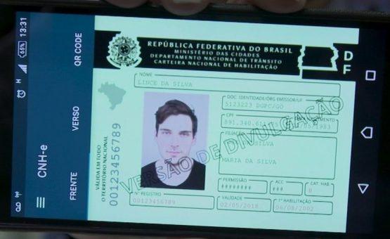 Versão digital da CNH começa a valer a partir de fevereiro deste ano em todo o Brasil